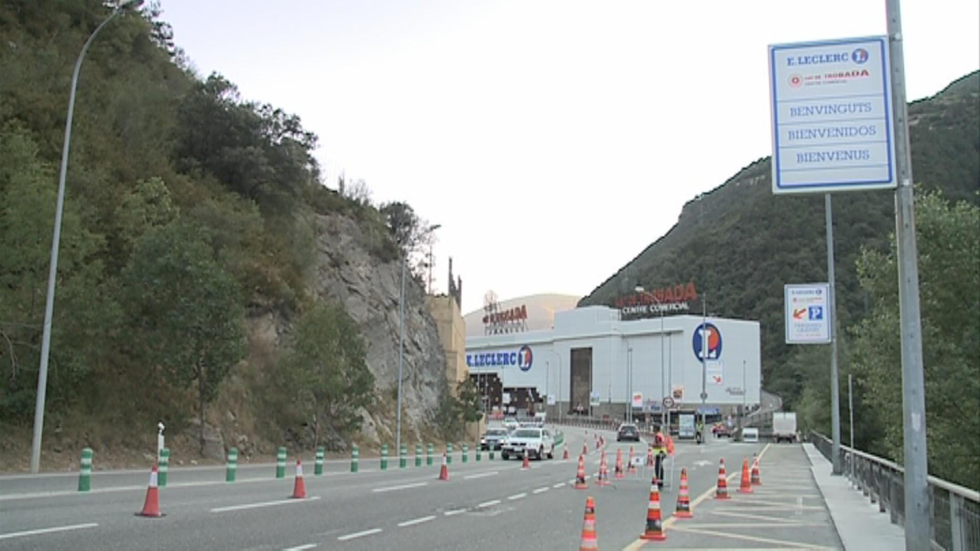 El gir a l'esquerra al Punt de Trobada i la parada de bus a la zona de l'esllavissada no es recuperaran