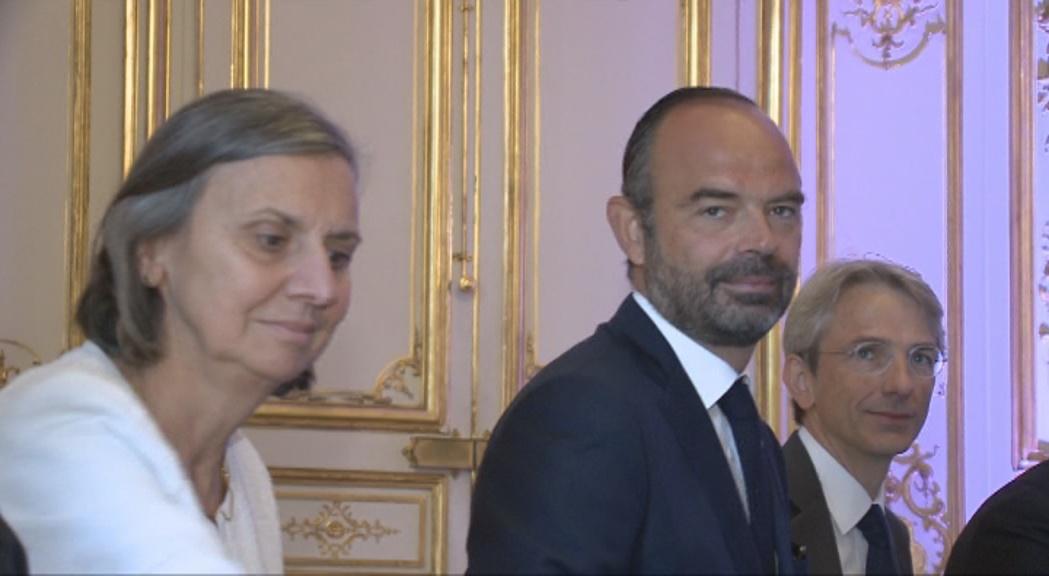 Jean Castex substitueix Édouard Philippe com a primer ministre francès després de la dimissió en bloc del govern