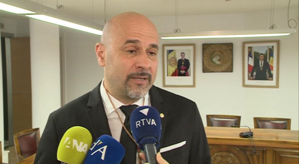 Martínez-Illescas jura com a nou conseller amb la inquietud pel desenvolupament del Clot d'Emprivat