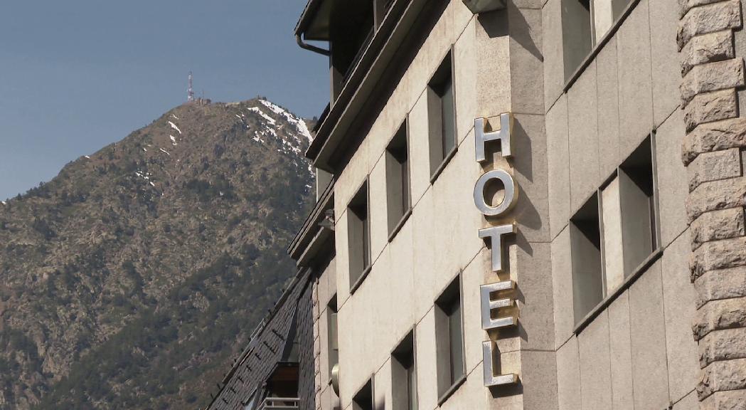 Els hotelers i restauradors demanen més mesures per salvar el sector