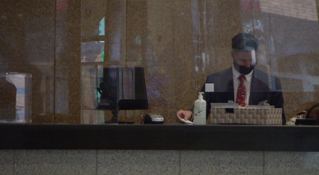 Els hotels preveuen un 50% menys de contractacions aquest hivern i les estacions, un 30% menys
