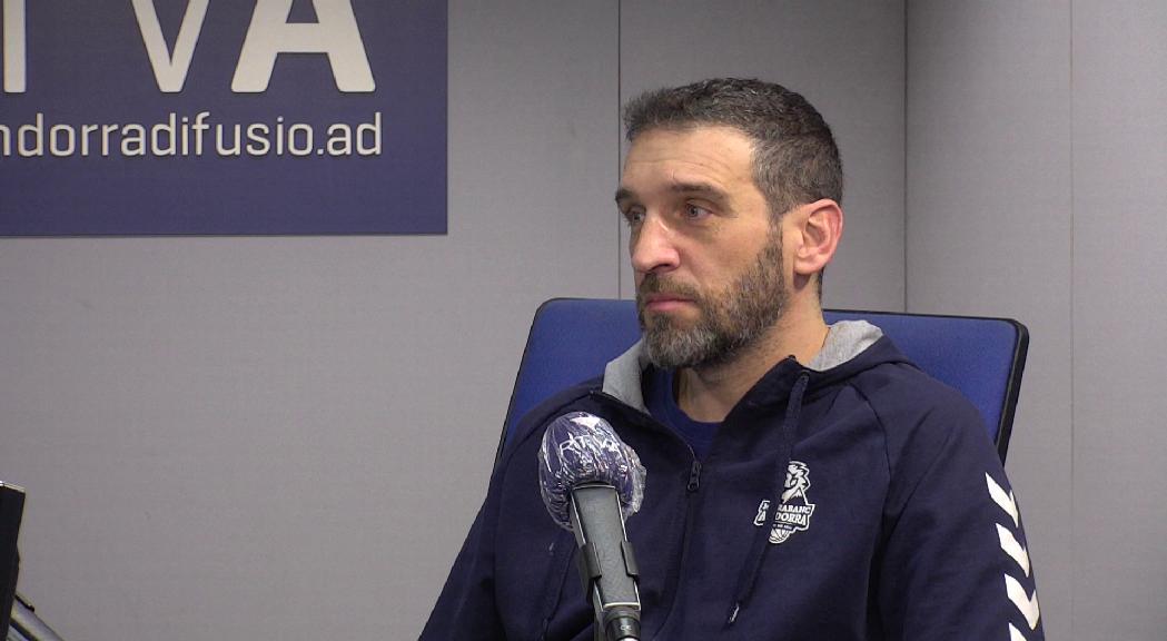 Ibon Navarro prioritza la gestió de l'equip en un desembre frenètic