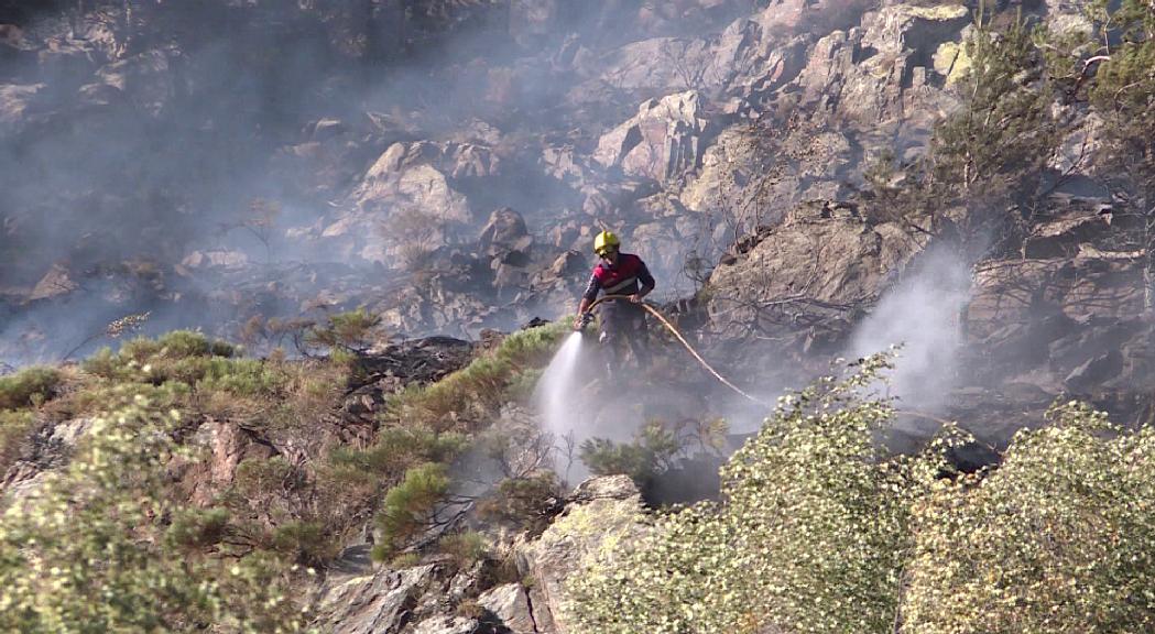 L'incendi a la zona de la Traba, a Canillo, ja es troba pr&agrave