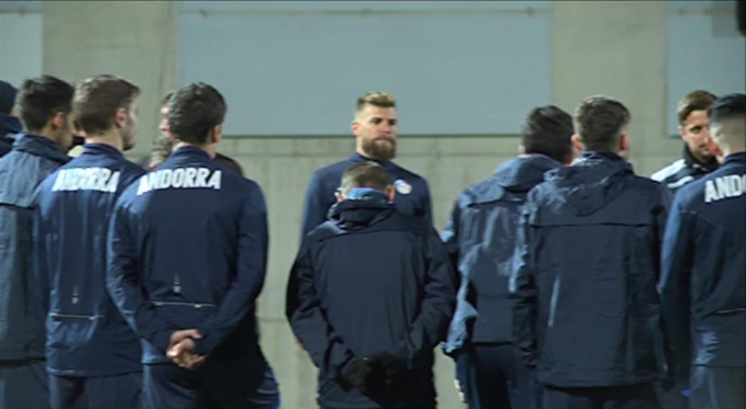La selecció de futbol prepara el debut a la fase de classi