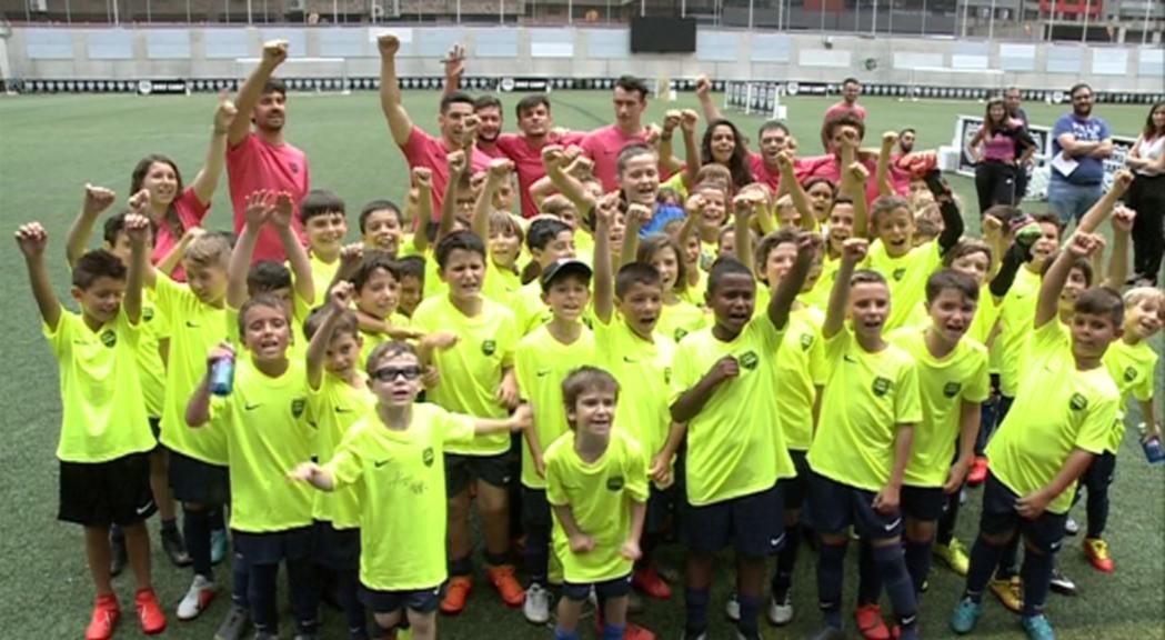Joventut i precocitat al Nike Camp de futbol amb Clàudia Pina i Riqui Puig