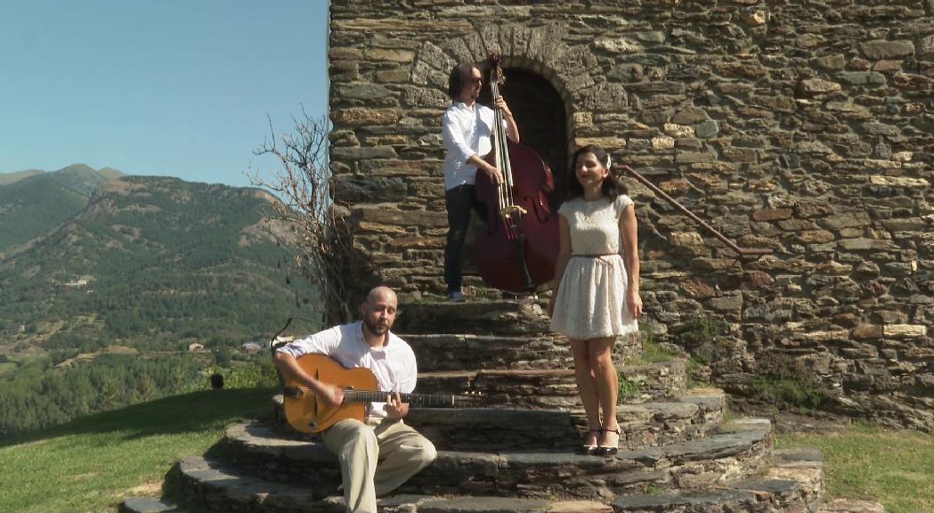 Els Love it deixen de tocar per la marxa de l'ànima del grup, Carina Ventura