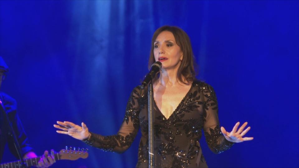 Luz Casal enlluerna el públic andorrà amb el seu nou treball i els temes llegendaris de la seva carrera