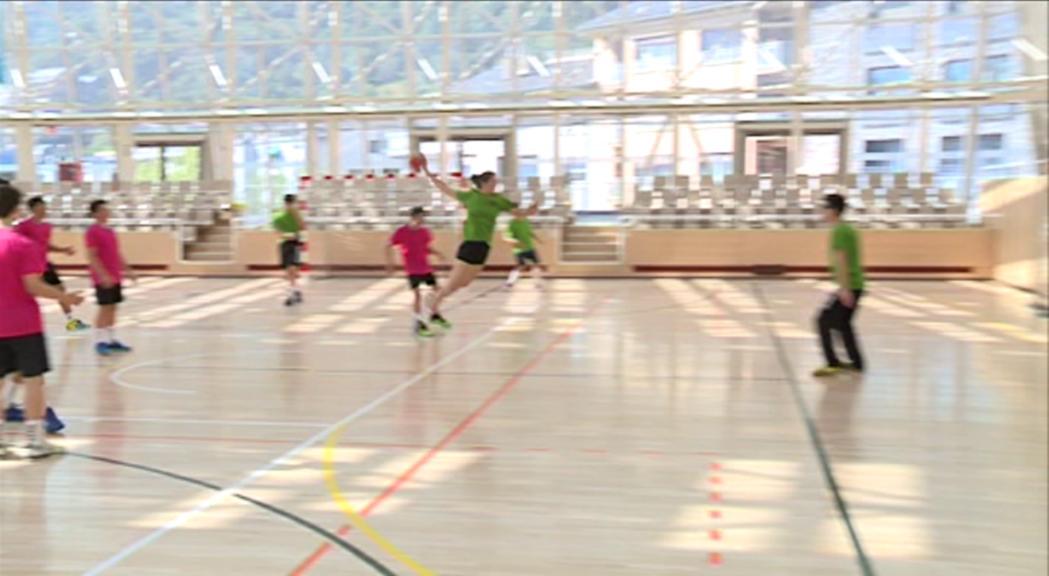 Margot Oliva continua creixent a l'equip d'handbol de Tolosa