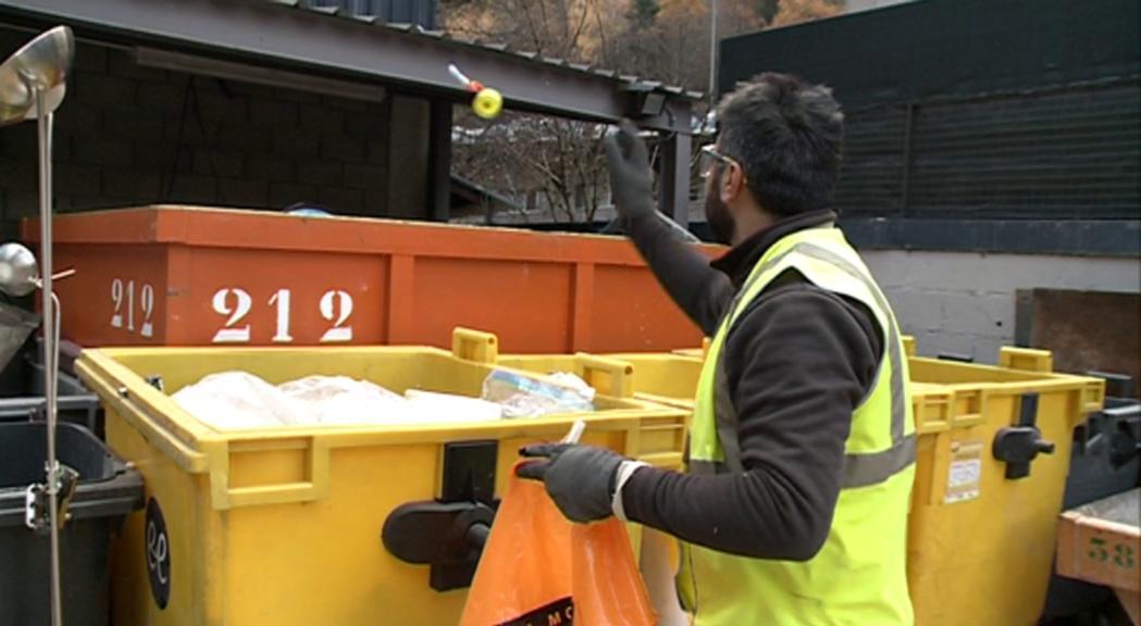 Medi Ambient obre una trentena d'expedients sancionadors a empreses per incomplir la recollida i selecció de residus