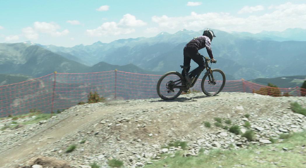 Més de 500 riders es donen cita a la Maxiavalanche de Vallnord