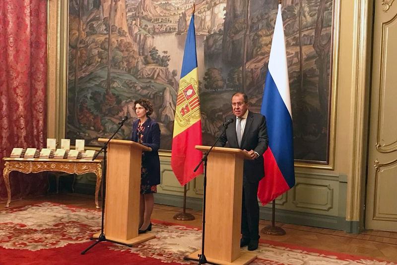 La ministra d'Afers Exteriors, Maria Ubach, ha aprofitat la s