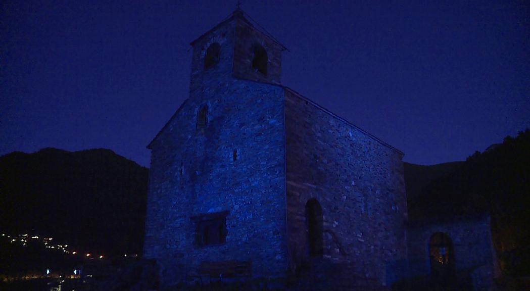 Monuments i institucions s'il·luminen de blau en el Dia Mundial de la Infància