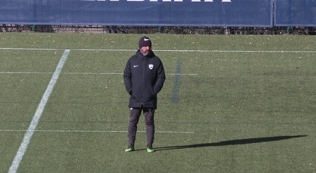 Nacho Castro es creua en el camí de l'FC Andorra
