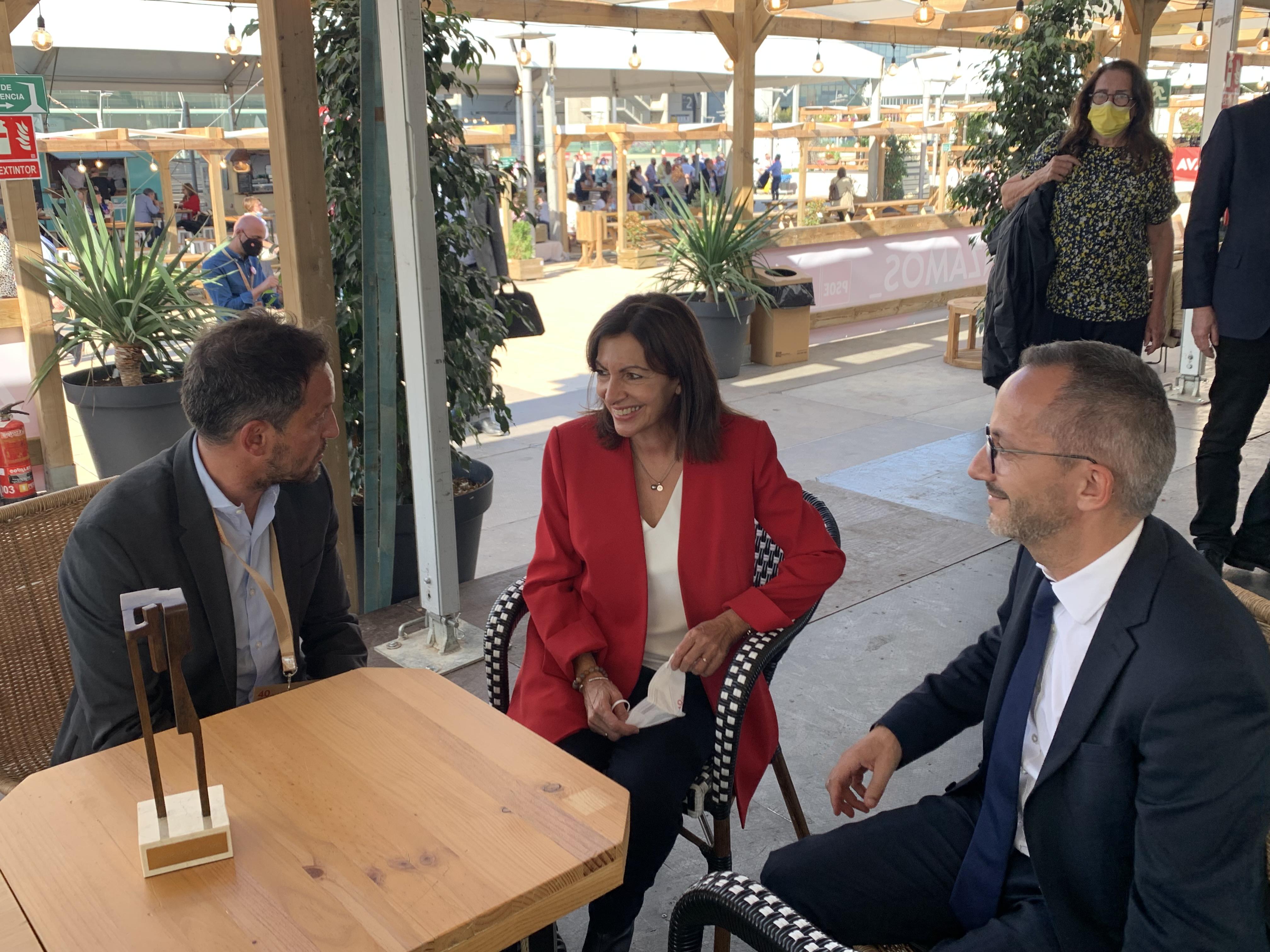 Pere López es reuneix amb l'alcaldessa de París, Anne Hidalgo