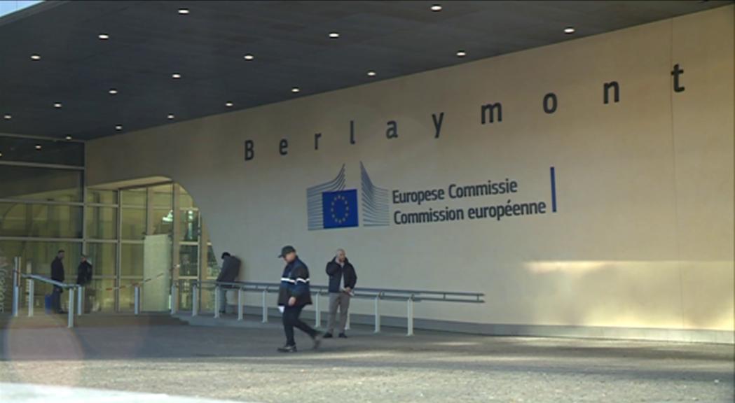El primer consell de ministres haurà de decidir si se signa el conveni marc de l'acord d'associació amb la UE