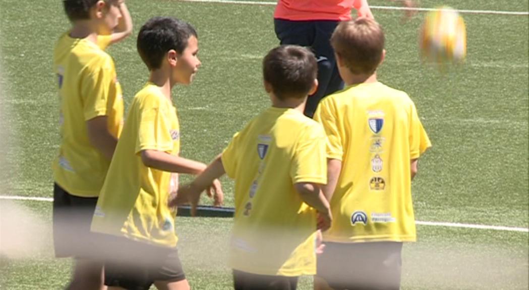 Prop de 150 infants participen al primer torneig solidari de futbol 7