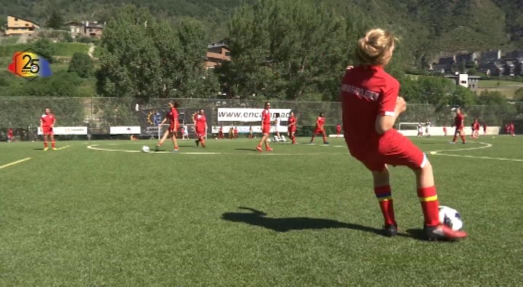 Prop d'un centenar de jugadores en la 5a edició del Campus femení de la FAF