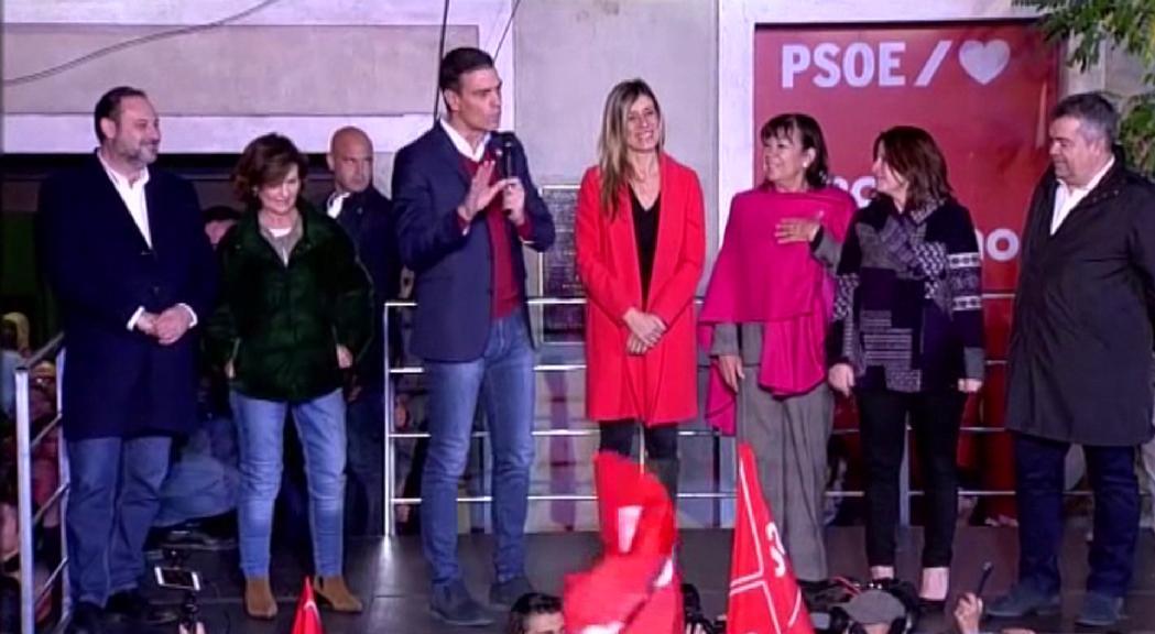 El PSOE guanya les eleccions a Espanya en uns comicis marcats per l'ascens de la ultradreta