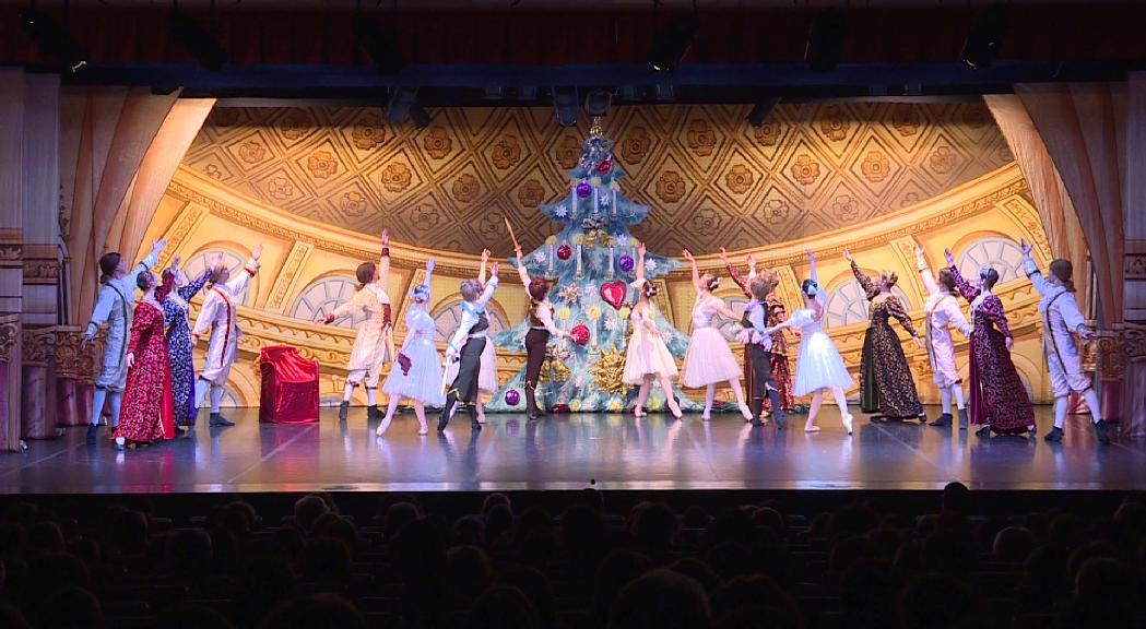 El públic es bolca amb el Ballet de Moscou pel muntatge d''El Trencanous'