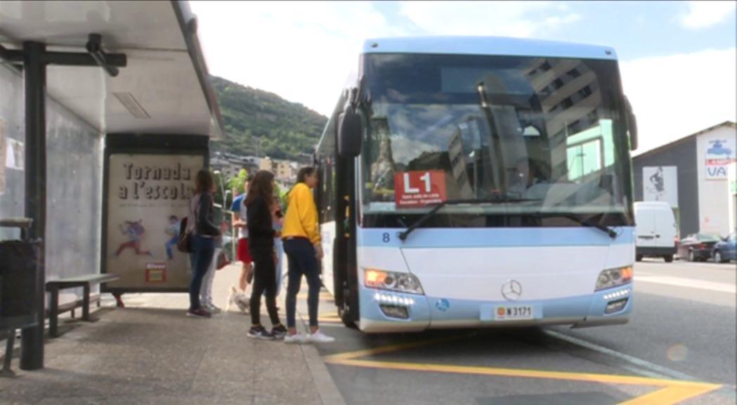 Queixes dels usuaris dels autobusos per la manca d'informació sobre les novetats