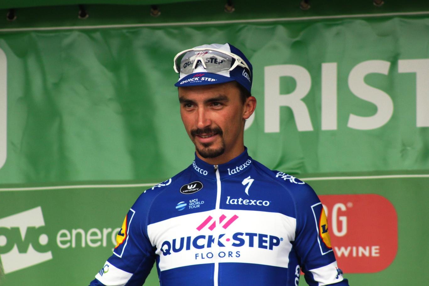 El resident Julian Alaphilippe guanya la tercera etapa del Tour i es vesteix el mallot groc
