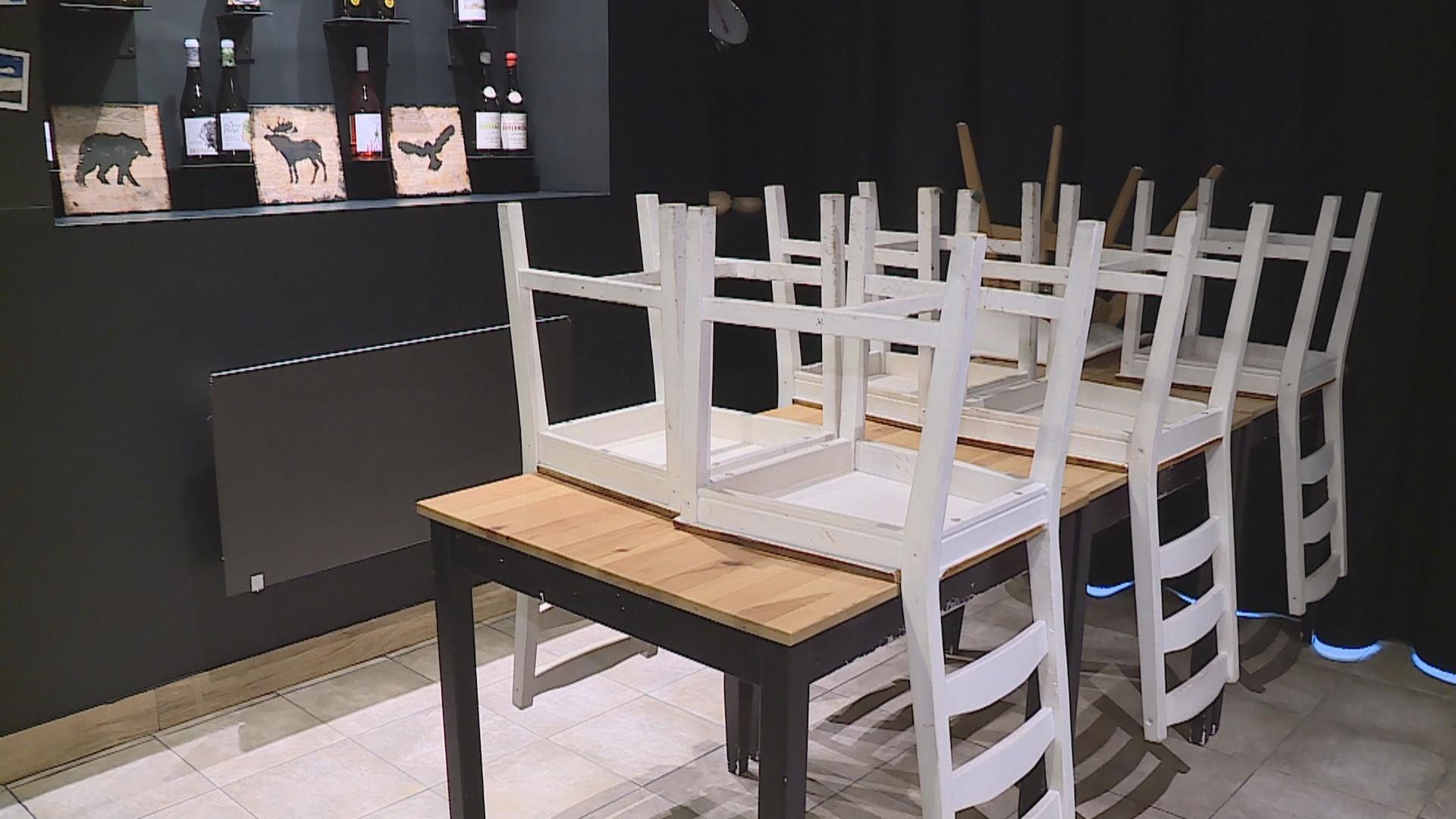 Els restaurants es preparen per condicionar els establiments
