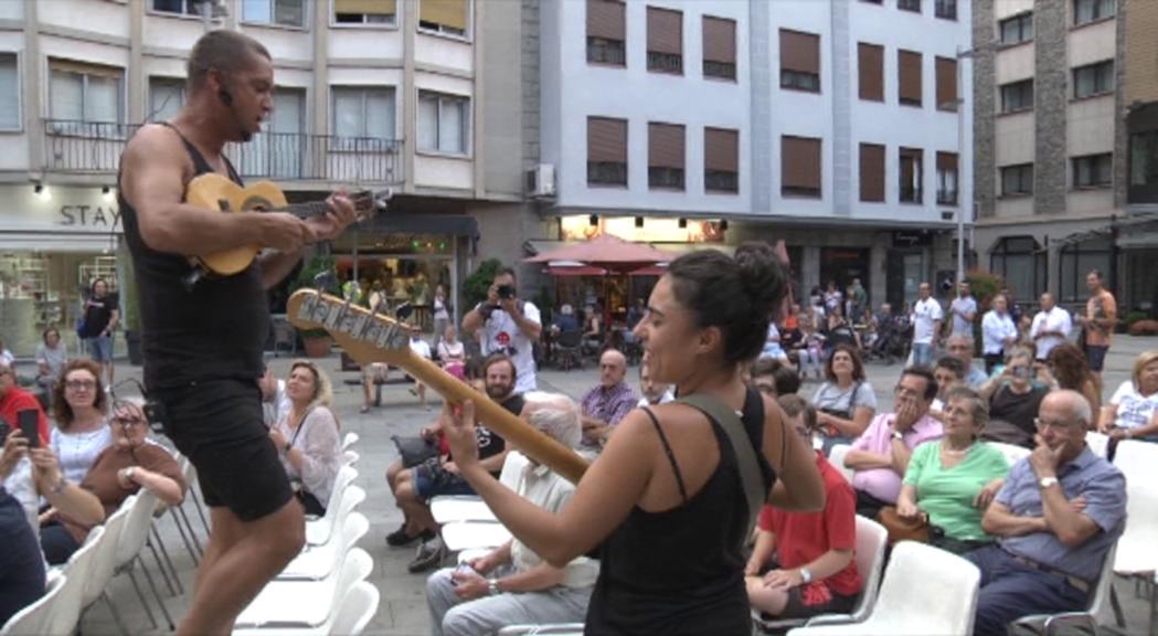 Ritmes brasilers al Colors de Música de mans de Sambà de Festa