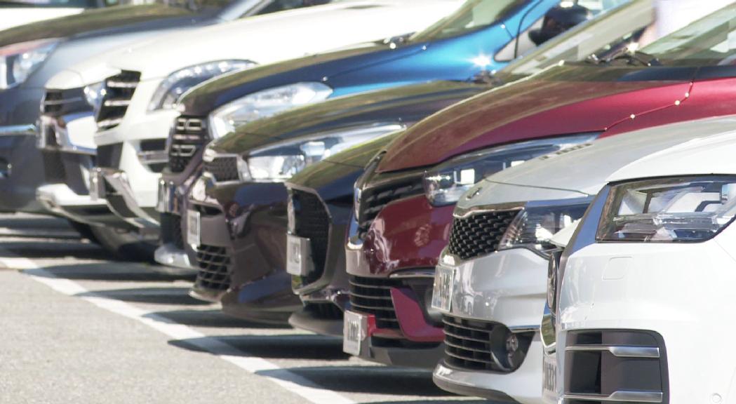 Sant Julià recupera la fira del vehicle d'ocasió amb uns 150 automòbils exposats