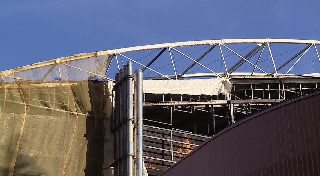 Un segon peritatge de la teulada torna a endarrerir la reconstrucció dels Serradells
