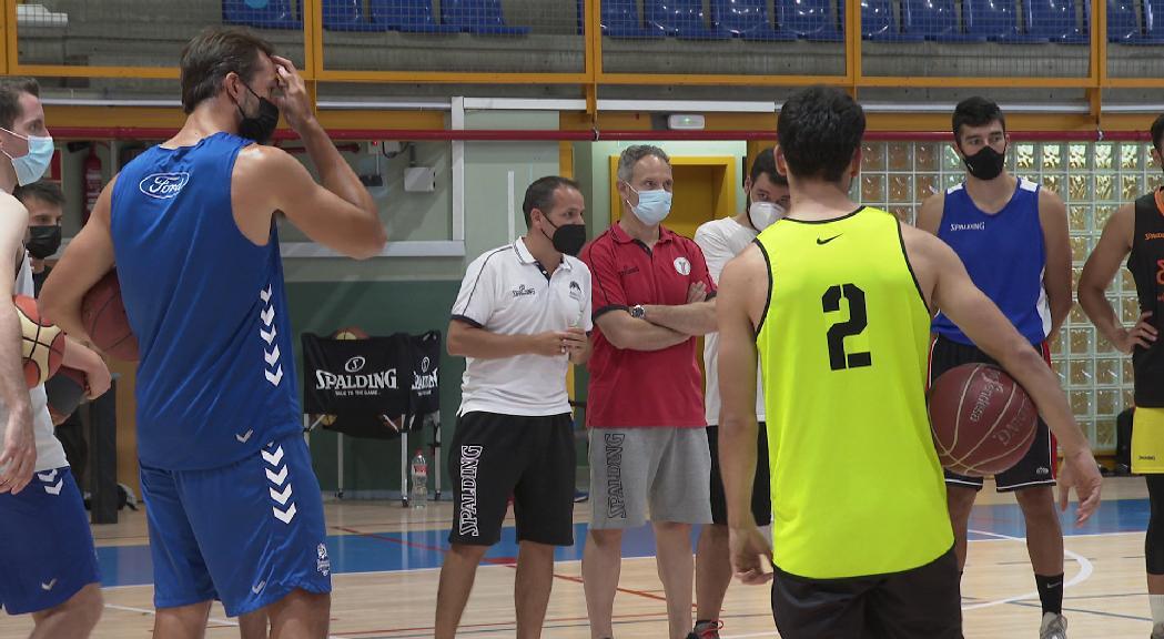 La selecció de bàsquet prepara l'Europeu C de Dublín amb cares noves