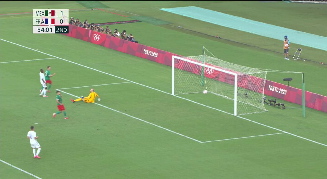 La selecció de futbol de França perd en el debut olímpic contra Mèxic (4-1) i Espanya empata sense gols amb Egipte