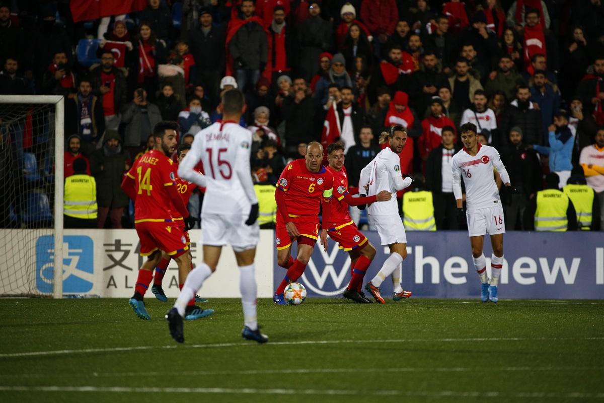 La selecció tanca el Preeuropeu amb una derrota dolça contra Turquia (0-2)