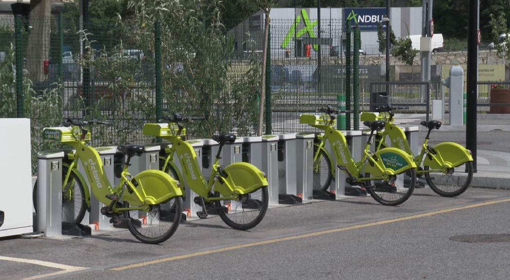 El servei de bicicletes elèctriques compartides reobre demanant mascareta i guants