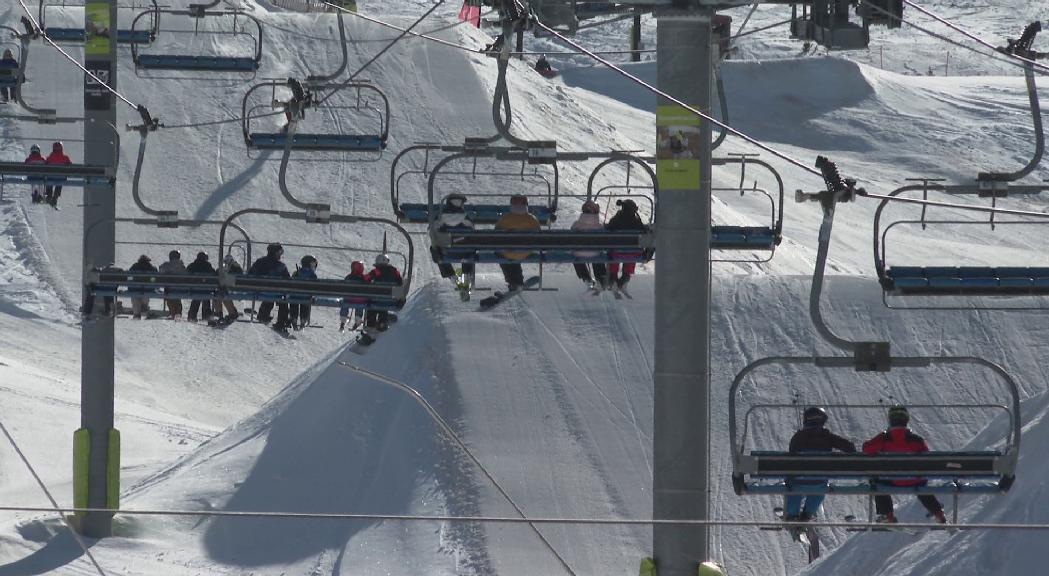 El Govern comunicarà aquest dimarts si permet als turistes espanyols accedir a les pistes d'esquí