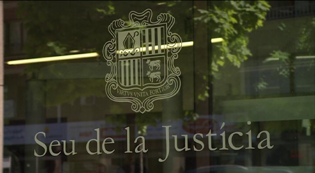 Se suspenen diversos judicis per la demanda d'apartar el fiscal general del cas BPA per reunions irregulars amb consellers generals