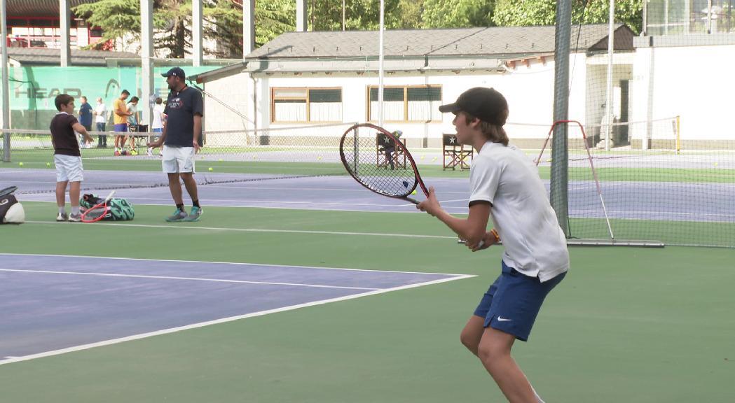 Tres joves tenistes de la federació representaran Andorra a la Copa del Sol