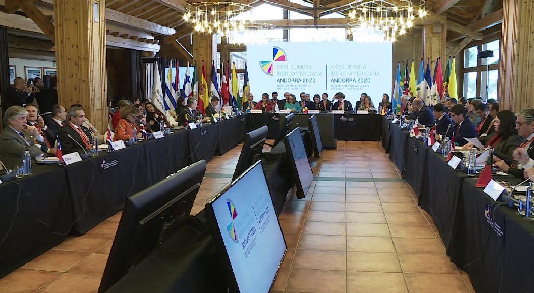 Trobades iberoamericanes telemàtiques sobre la Covid-19 i l'accés a l'aigua mentre es decideix sobre la celebració de la Cimera