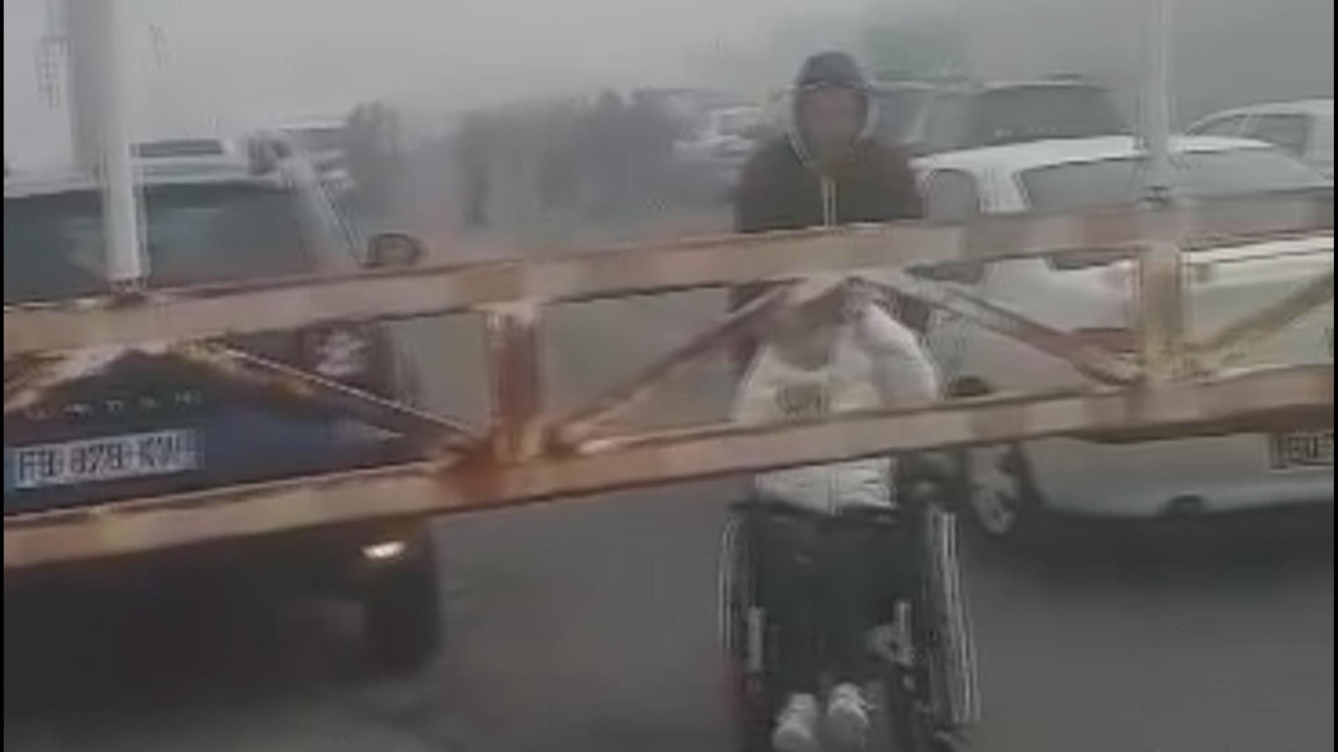 Turistes francesos van saltar-se el tall de la RN-22 per arribar al Pas de la Casa