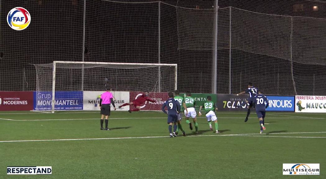 L'UE Sant Julià s'imposa al clàssic de la lliga nacional contra el Santa Coloma (3-1)
