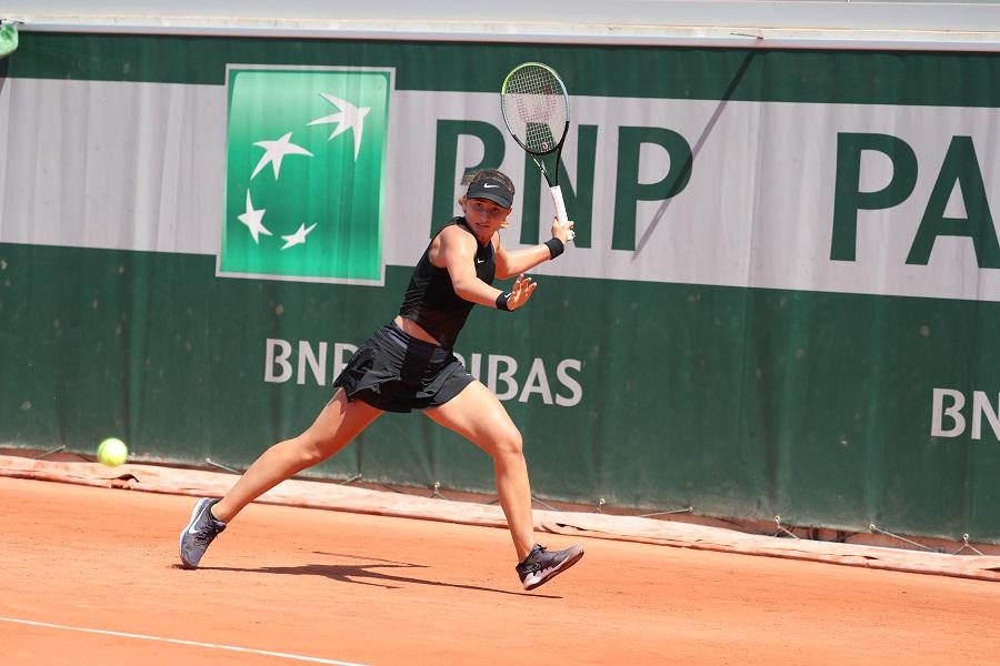 Vicky Jiménez és eliminada a quarts del Roland Garros júnior però es classifica per a la semifinal de dobles