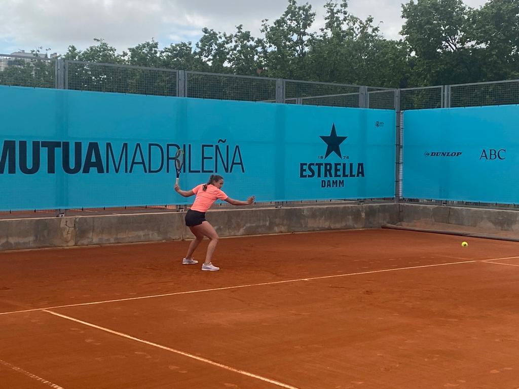 Vicky Jiménez resisteix un set contra la número 10 del món, Kiki Bertens, al Madrid Open