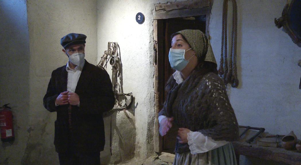 Visita teatralitzada a la Casa Rull per divulgar el passat