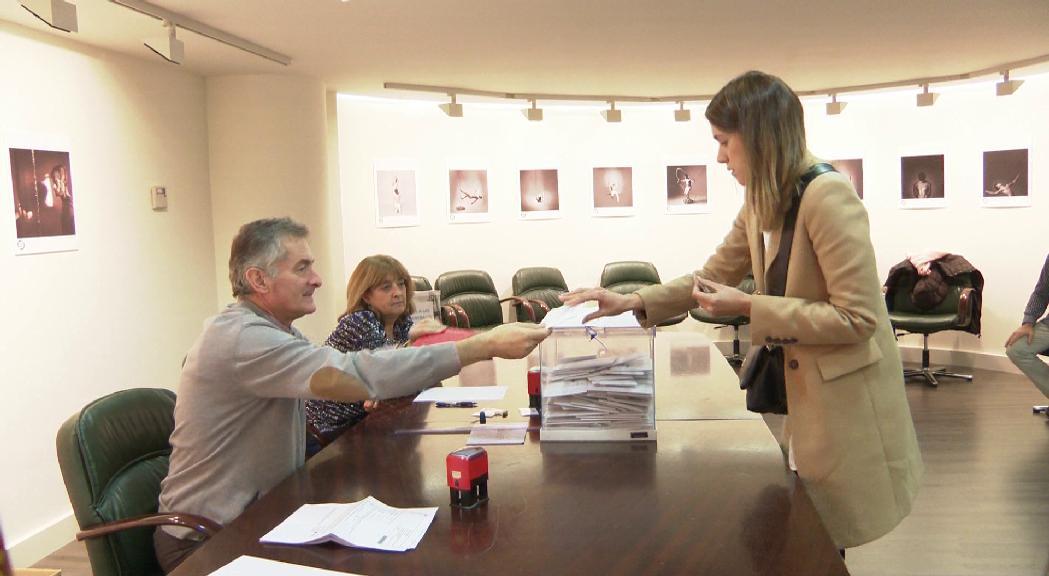 Voten a Andorra uns 3.500 residents espanyols, un 15%, en les eleccions generals del seu país