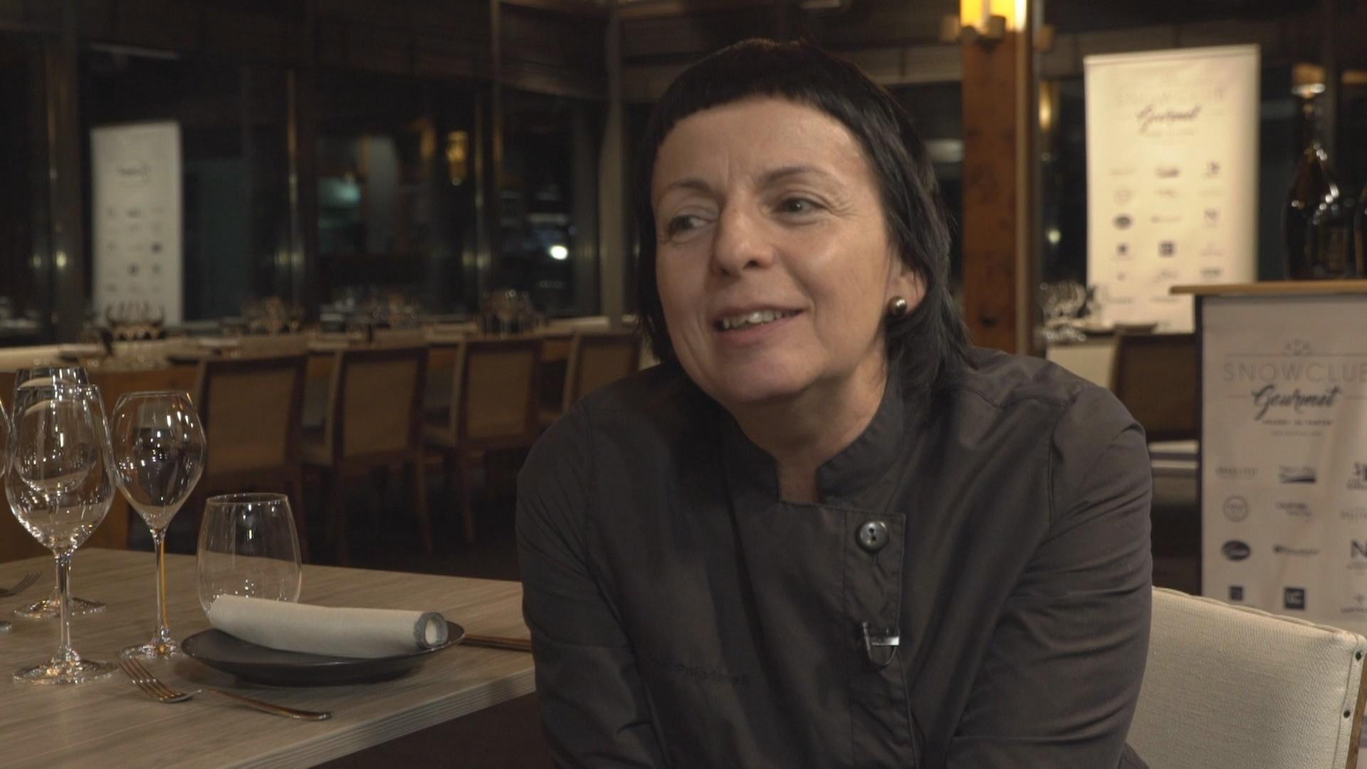 La xef Fina Puigdevall cuina a l'Snow Club Gourmet de Grandvalira