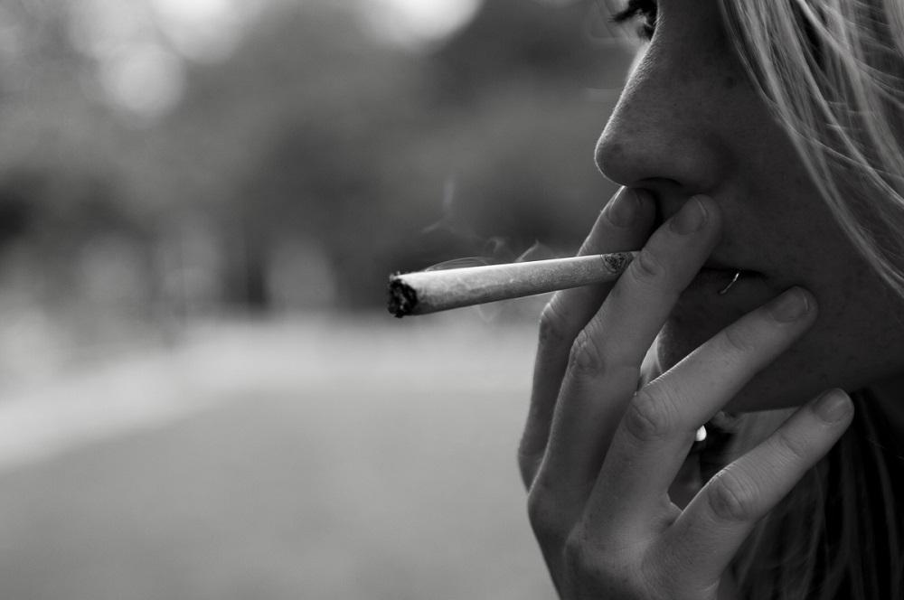 Sospito que el meu fill fuma porros, què faig?