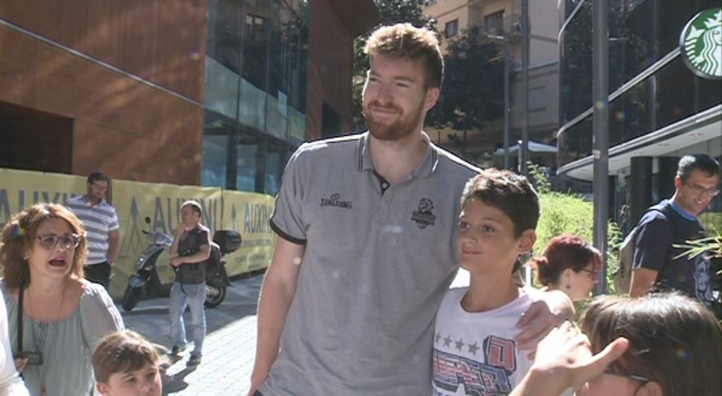 El MoraBanc rep el caliu de l'afició a cinc dies per a l´estrena a la Lliga Endesa
