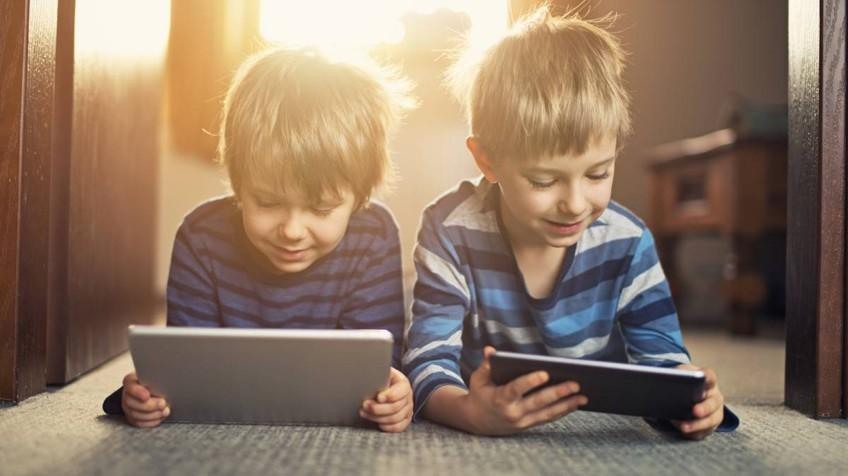 L'efecte de la tecnologia i els dispositius mòbils en nens i joves