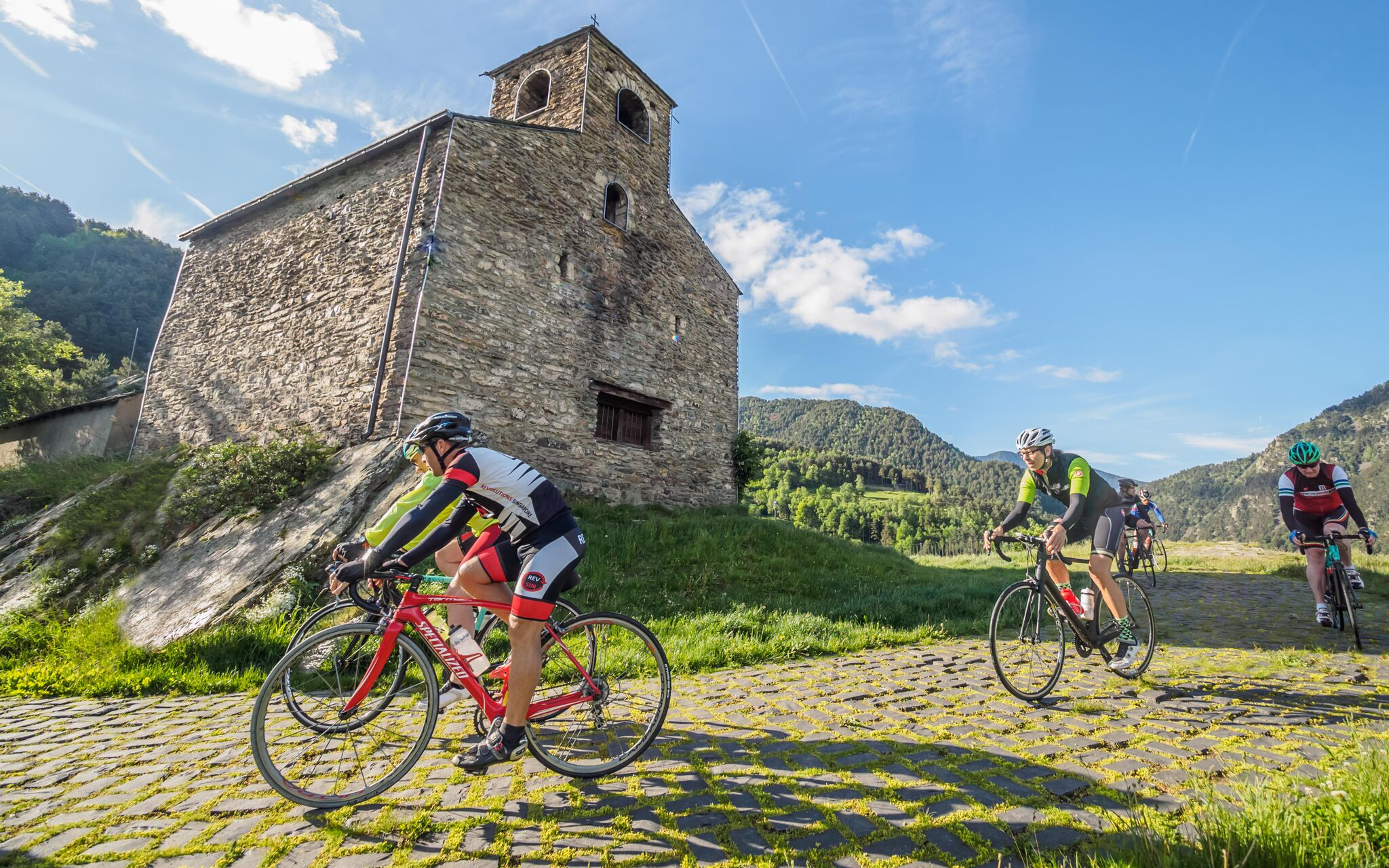 Turisme convida agents de diferents països per promocionar la destinació cicloturista