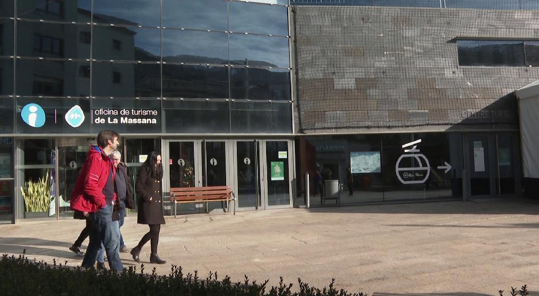 CC+DA+L'A es compromet a remodelar la plaça i el teatre de les Fontetes