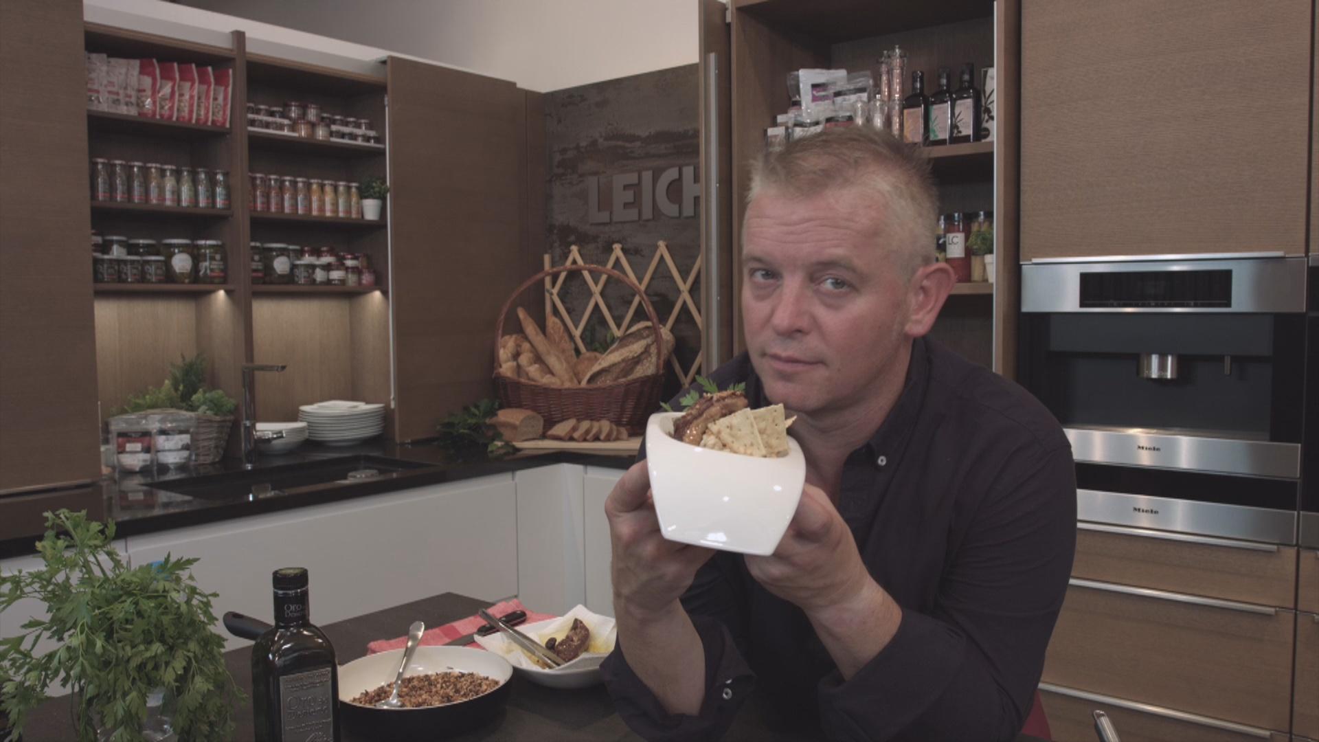 Arròs cremós de ceps amb foie poêlé, crispetes d'arròs salvatge i cruixents vegetals